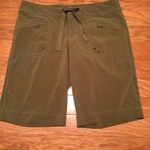 Athleta Breeze Bermuda Shorts, Size 10